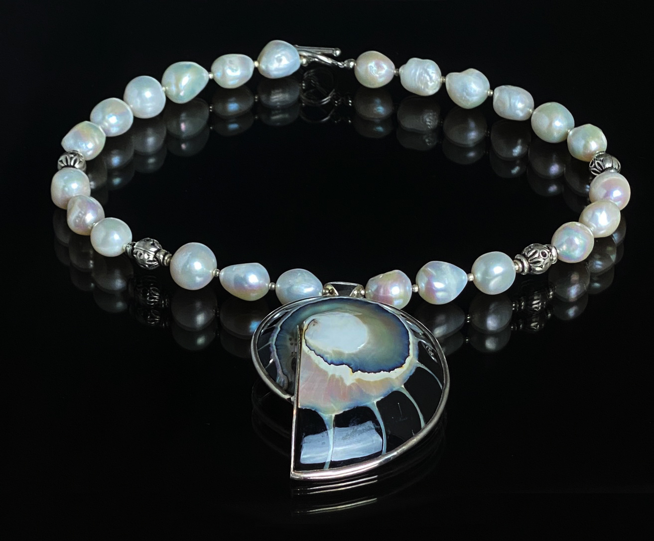 Pearl Necklace with a Nautilus Shell Pendant - CBD75