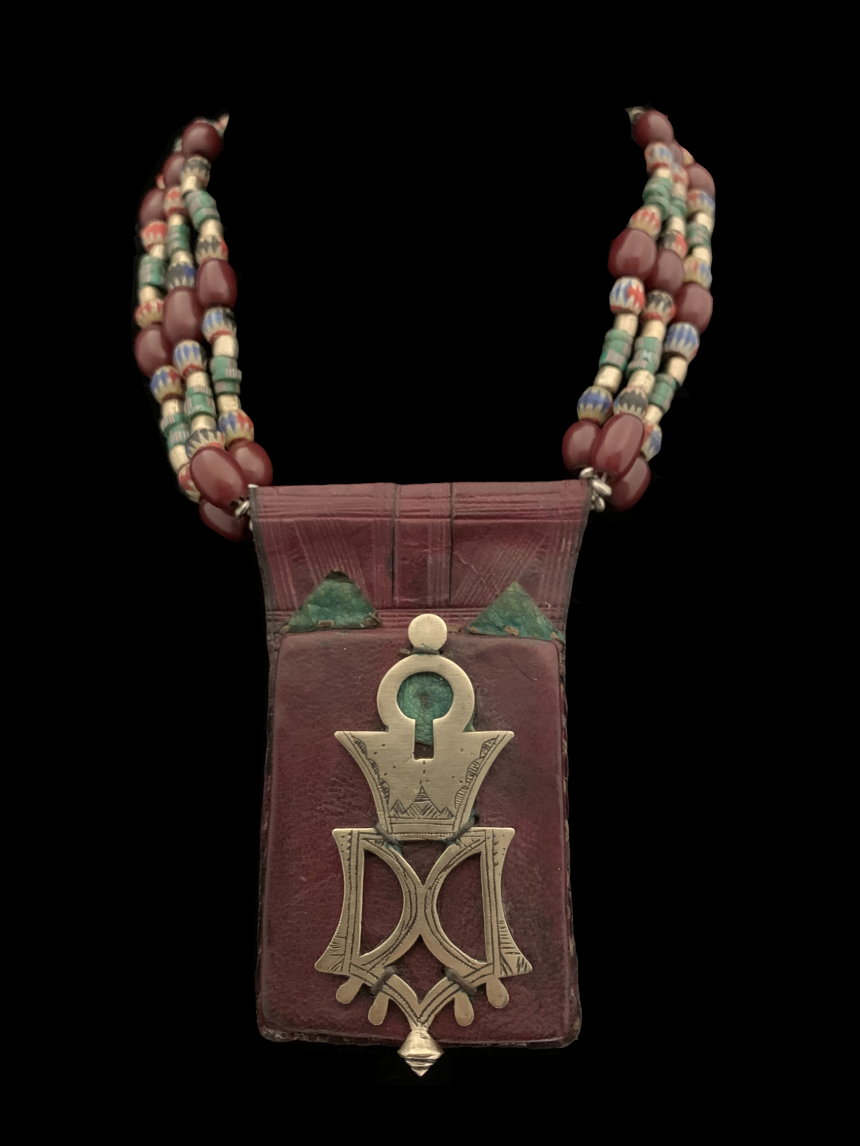 Bella ( associated with the Tuareg nomads of the South Sahara) pendant with beads necklace - ML3