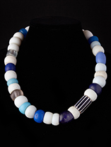 Trade-Bead-Necklace-0175-fv-1.th