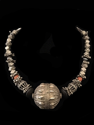 Antique Necklace with Large Silver Bead - Yemeni people, Republic of Yemen - check for availability - BR127