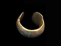 Bronze Bracelet.Currency.17.th.jpg
